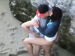 voyeuring-my-horny-friends-on-a-beach