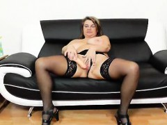 amateur-mom-drahuse-solo-with-a-dildo