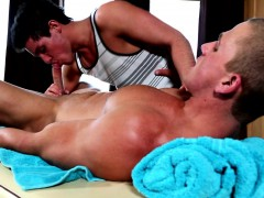 beefy-straight-guy-being-spoiled-by-his-favorite-masseur