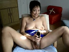 asian-granny-amy-dildoing-at-home