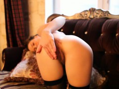 crystal-is-horny-and-wants-to-fuck-you