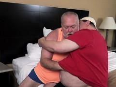 big-daddies-hooking-up