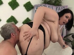 cute-and-chubby-plumper-alexxxis-allure-fucking-a-fat-cock
