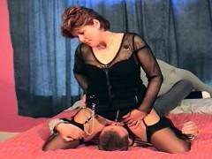 cunilingus-facesitting-mature-orgasm