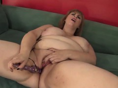 horny-plumper-amazon-darjeeling-masturbates