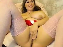 fat-and-busty-cam-slut-teasing