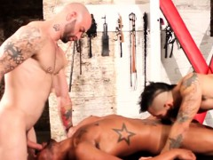 Black Stud Buttfucking In Threeway