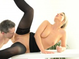 Knob begging mature doxy gets incredible sexual pleasure