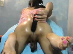 Horny Shemale Cam Girl Fucking Her Asshole