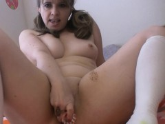 thick-milf-gets-dirty