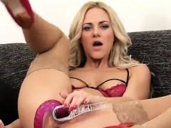 horny-czech-kitten-opens-up-her-tight-vulva-to-the-bizarre