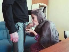 Molodyojnoe ruskoe porno roditelyami