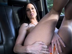 milf-ass-glory-kendra-lust