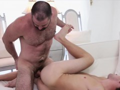 bishop-bareback-fucks-guy