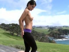 striptease-outdoors