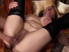 melinde-fisting-mature-mom-marya-nerissa
