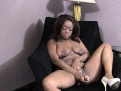 black-pussy-play-roxy-pearl