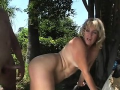 outdoor-cougar-larisa