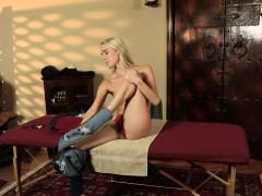 teen-blonde-gets-massaged