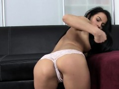 beautiful-czech-doll-lexi-dona-pleasures-and-comes