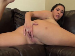 london-keyes-sexy-and-solo-masturbation