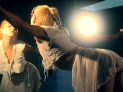 flexible-lena-shows-nude-gymnastics