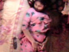 bangladeshi-bhabhi-feeling-hot