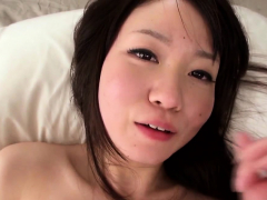 shy-tiny-japanese-toying-pussy-with-dildo