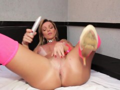 solo-latina-tgirl-jerking-off-her-hard-cock