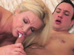 cougar-lady-banged-nicely-and-jizzed-in-mouth