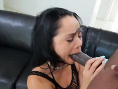 pornstar-bombshell-gets-her-butthole-penetrated-with-huge-to