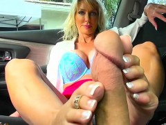 cougar-tylo-duran-plays-with-her-drivers-big-cock