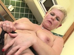 nice-mature-cougar-squirting-and-m-vivien-from-1fuckdatecom