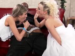 Hot pornstar threesome and cumshot