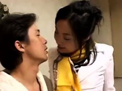 provoking-japanese-lady-uses-her-luscious-lips-to-please-a