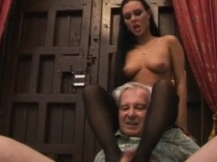 valentina-velasquez-gives-sensual-footjob-to-grandpa