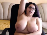 Pretty Huge Tits Camgirl Chatting Live With Her Admirers