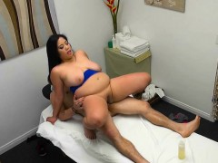 masseuse-jhenevieve-milks-big-cock-of-client
