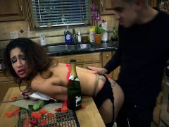 jade-gets-fucked-by-horny-food-delivery-creep