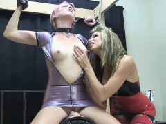 kay-bound-in-latex-on-sybian
