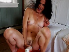 mature-with-wonderful-body-webcam-toying