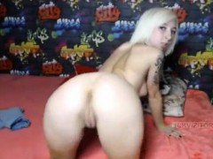 amateur-dayanaforyou-flashing-ass-on-live-webcam