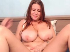 cam-solo-show-with-attractive-huge-natural-tits-camgirl
