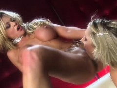 Hot Babes Get Naked And Eat Pussy