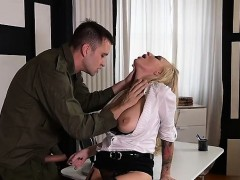russian-milf-spanking-and-cum-on-pussy