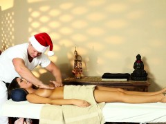 Busty Massage Amateur Fucked By Her Masseur