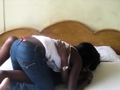 Horny African Sistas Get A Room To Taste Each Others