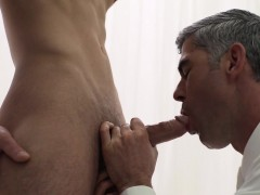 enjoy hung muscle hunks sensual bedroom fuckfest meet man