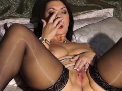 european-milf-playing-with-herself