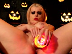 Stancked Nadia celebrates Halloween by making Herself Cum!